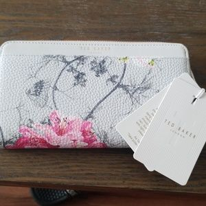 BRAND NEW AUTHENTIC Ted Baker hand wallet
